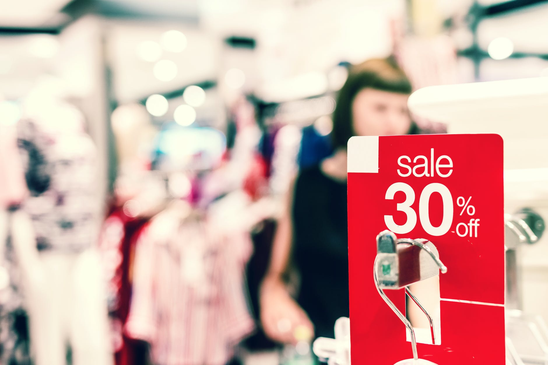 Current Retail Issues Highlight Why Your Business Needs To Be Online Right Now